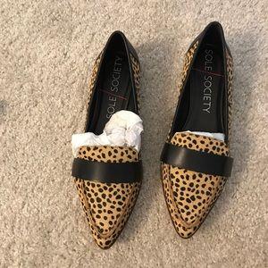 Cheetah dot flats